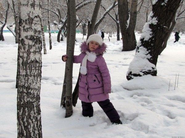 зимняя вязаная шапка для девочки снегурочка