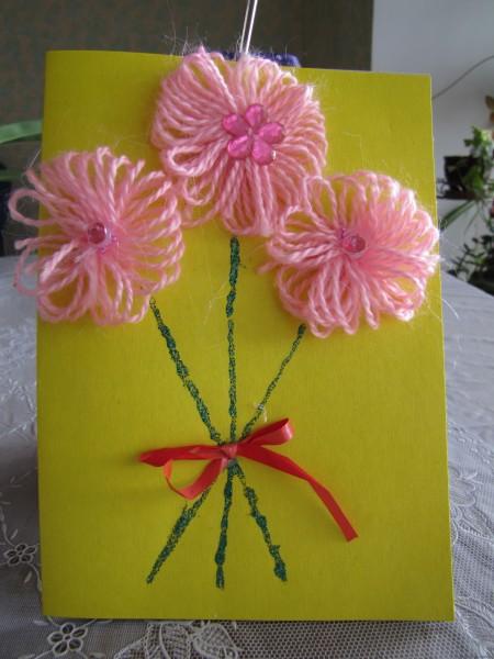 Открытка с цветами из пряжи