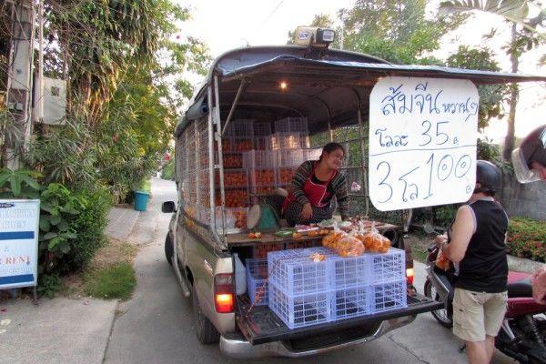 фрукты таиланда торговцы с машины