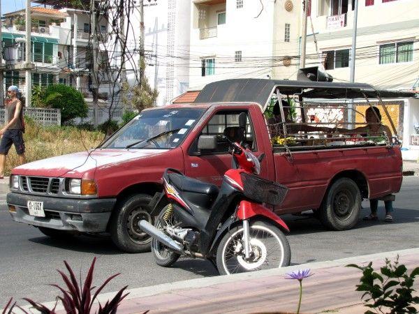 Торговцы фруктами на автомобиле фрукты таиланда