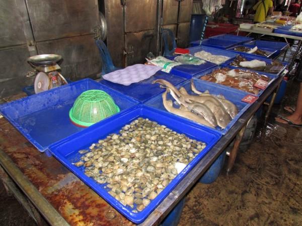 рыбный рынок Наклыа акулы велотур