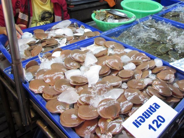 блюда из рыбы и морепродуктов в таиланде гребешки scallop хой шелл