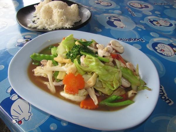 жареные овощи с морепродуктами морепродукты таиланда