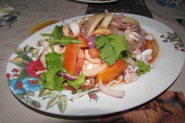 блюда из рыбы и морепродуктов в таиланде yam woon sen seafood
