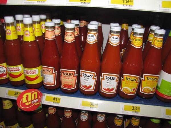 Кетчуп Heinz на тайском