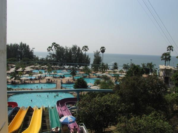 Аквапарк и море аквапарк паттайя парк
