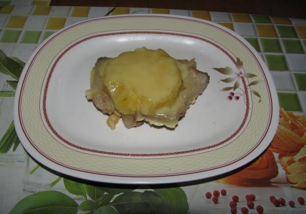 Свинина с ананасами (без духовки)