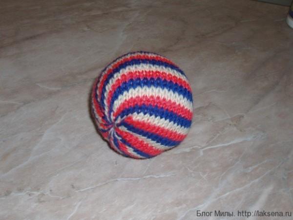 вязаный мячик спицами