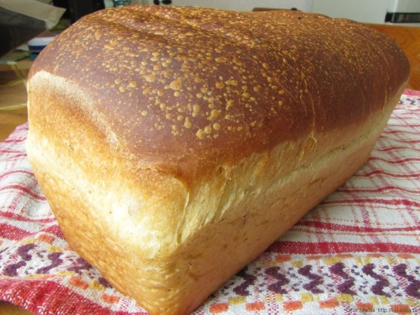 простой хлеб в духовке с бадьяном