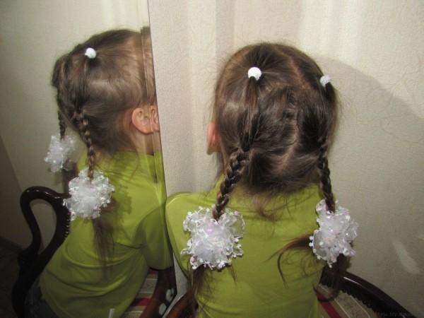 две косички простые трехпрядные косы