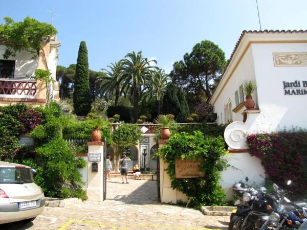 Вход в ботанический сад Маримуртра в Бланесе