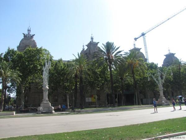 парк цитадели в барселоне дворец правосудия Palau de Justícia