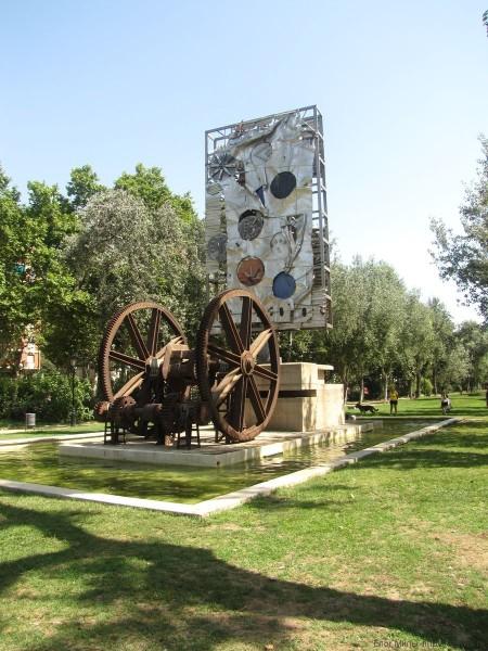 парк цитадели барселона монумент столетие всемирной выставки Antoni Clavé