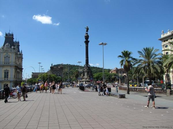 памятник Колумбу в Барселоне