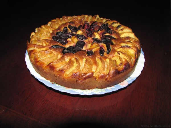 пирог с маскарпоне и сливами персиками нектаринами