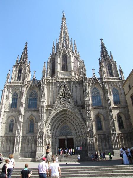 Кафедральный собор Барселоны готический квартал в барселоне