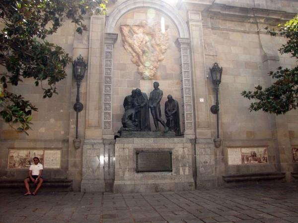 памятник героям 1809 года готический квартал в барселоне