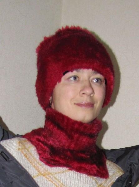 Манишка спицами и шапка кубанка спицами из пряжи под мех норки lanas stop vison