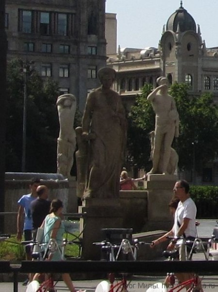 "площадь каталонии в барселоне скульптура ""Навигация"" Эусеби Арнау"