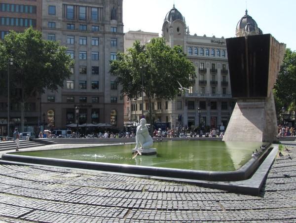 площадь каталонии в барселоне монумент Франческу Масия статуя Богиня Жузепе Клара