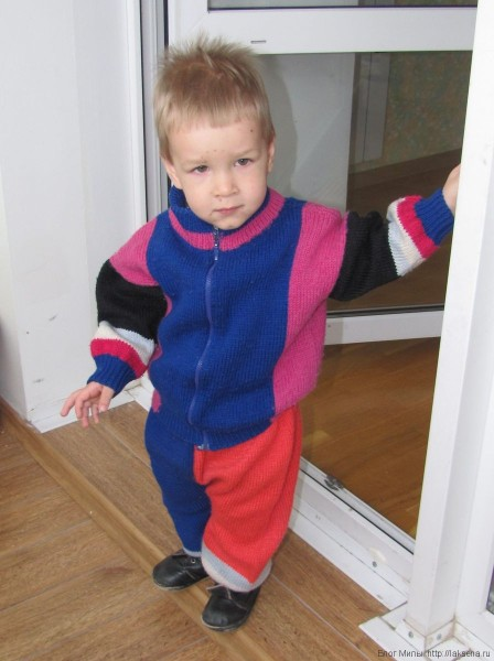 Вязаная куртка на молнии спицами для малыша вязаные штаны спицами