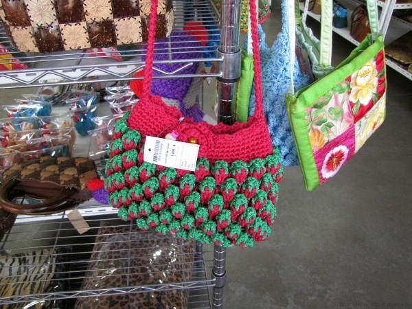 вязание в таиланде вязаная сумка-клубничка