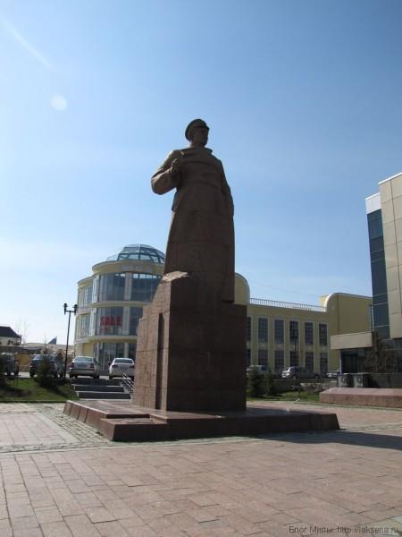 памятник Малышеву екатеринбург фото