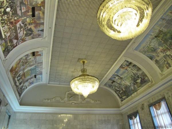 зал ожидания вокзала Екатеринбург-Пассажирский фото