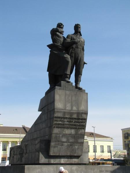 памятник воинам уральского добровольческого танкового корпуса екатеринбург фото