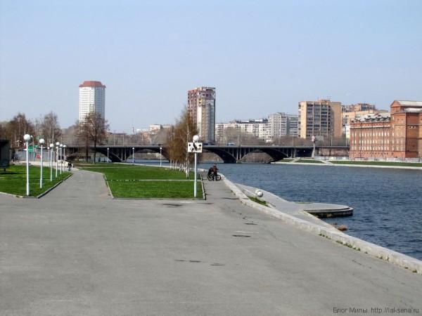 макаровский мост городской пруд екатеринбург центр екатеринбурга фото