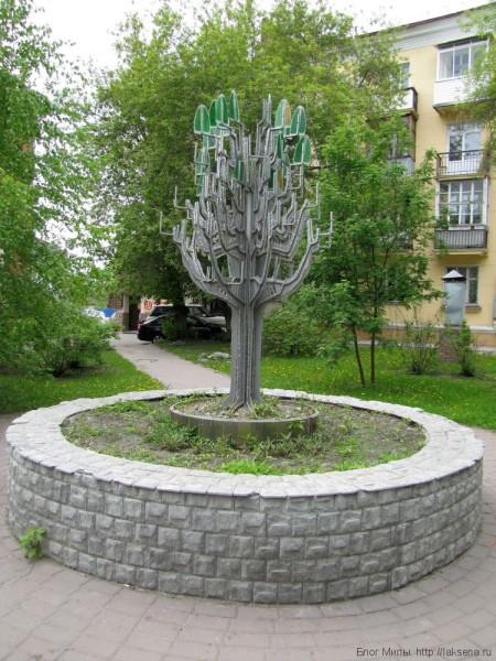 памятники в новосибирске серебренниковская