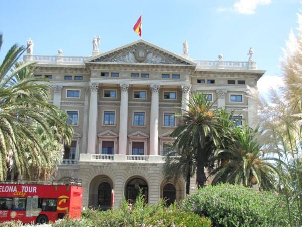 набережная барселоны порт барселоны площадь де ла пау комендатура каталонии штаб главы вооруженных сил