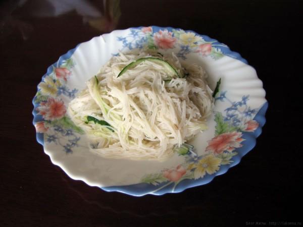 рисовая вермишель с огурцом и соевым соусом рецепт