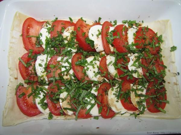пирог с помидорами и моцареллой