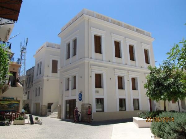 ретимно старый город дворец митрополита