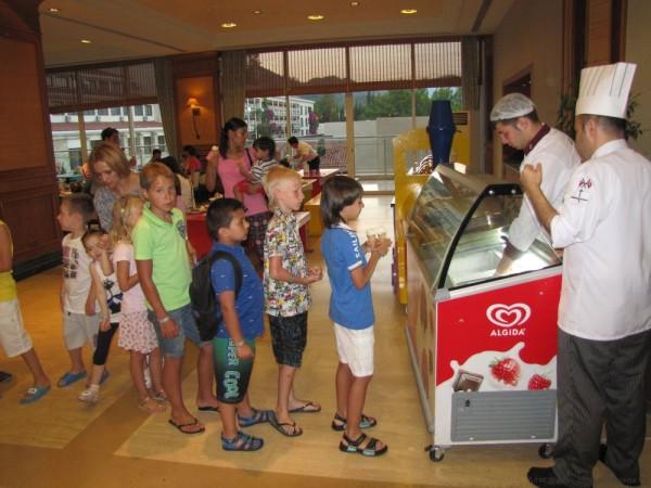 Grand Yazici Mares 5* мороженое