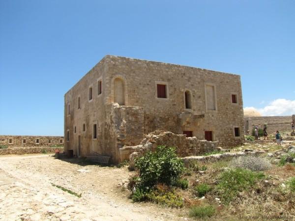 Венецианская крепость Фортецца Ретимно жилища советников