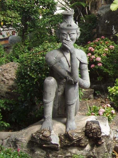 тайский массаж статуя