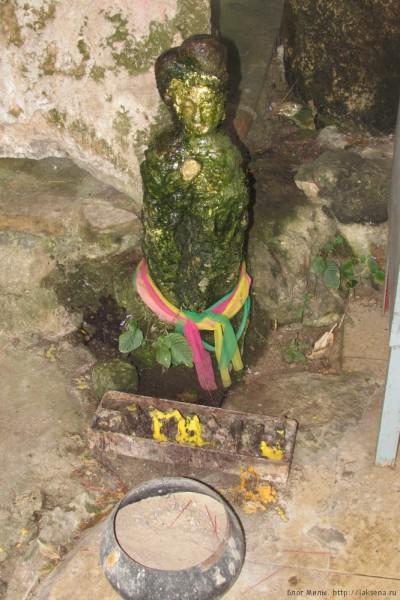 Экскурсия Затерянный мир Паттайя сталагмит в виде статуи будды