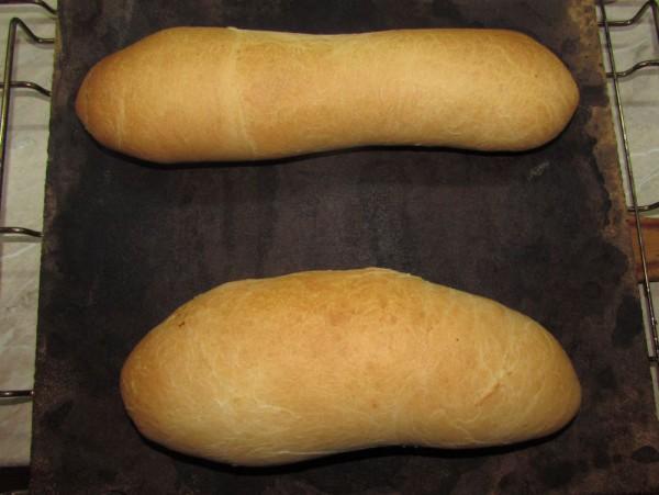 Простой хлеб на сыворотке в духовке