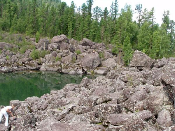 каменный залив телецкое озеро