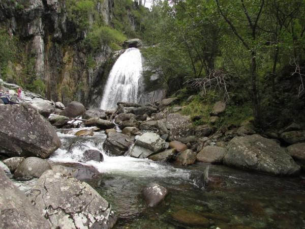 водопад корбу телецкое озеро