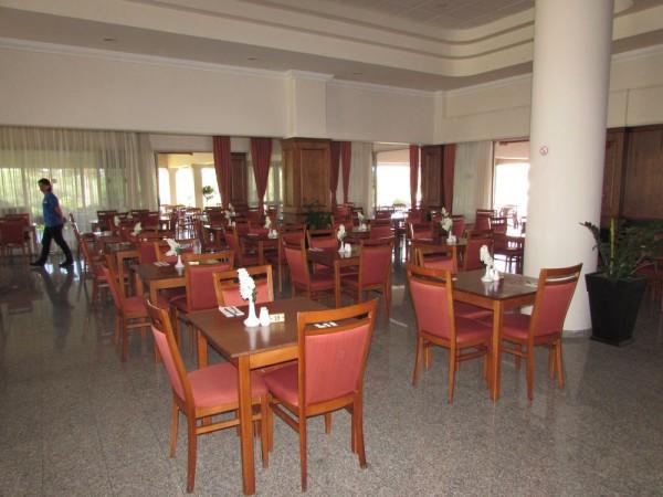 Ниссиана отель и бунгало, Кипр ресторан