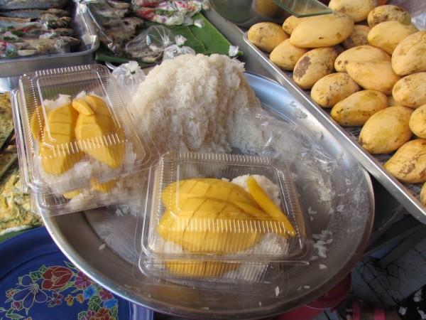 десерты тайской кухни клейкий рис с манго