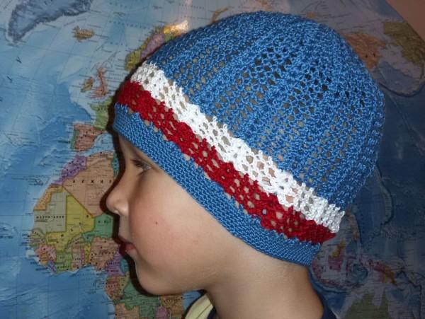 Летняя шапочка для мальчика крючком Морские мотивы