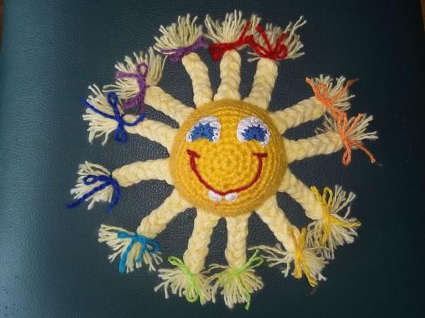 Вязаное солнышко крюком Улыбка