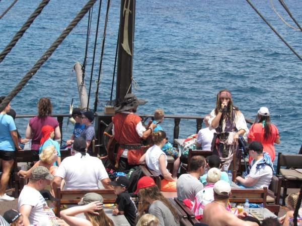 Пиратский корабль Черная жемчужина Айя Напа.