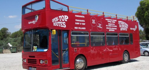 Красный автобус Айя Напа