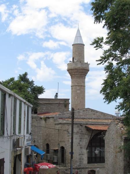 мечети Agha Cafer Pasha Mosque (Ağa Cafer Paşa Camii) кирения экскурсия на северный кипр