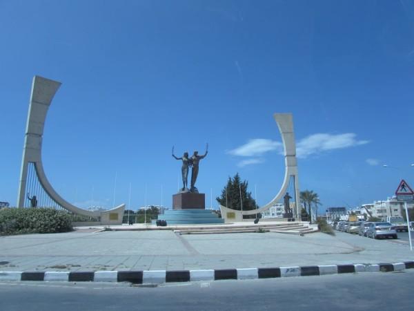 памятника миру кирения гирни экскурсия по северному кипру